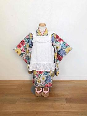 3歳女の子花盛りエプロン被布マネキン着画.JPG