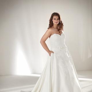 hot sales e119d 7ae35 Hochzeitskleider,Brautkleider große Größen, Mollige, XXL