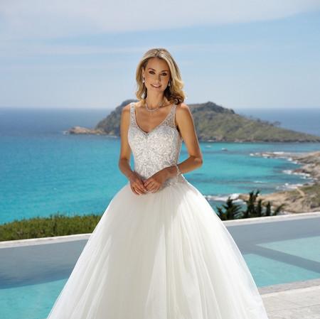 220043-01694-Prinsessen-trouwjurk-Ladybi