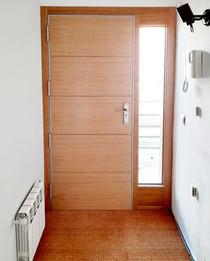 Puerta Blindada Roble con Líneas