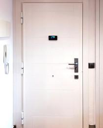 Puerta Lacada con líneas mod. Hache