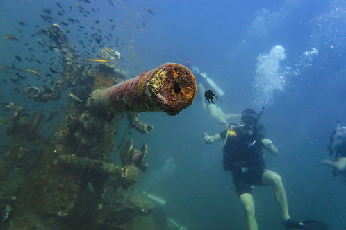 PADI WRECK DIVER SPECIALTY COURSE - Thailand, Simple Life Divers