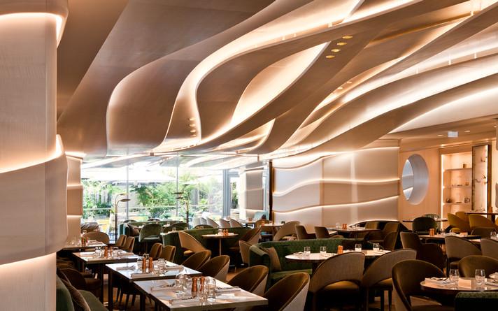 Restaurant Le Collectionneur, Paris, France