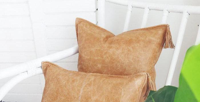 Klovah - Handmade Leather & Linen Cushion