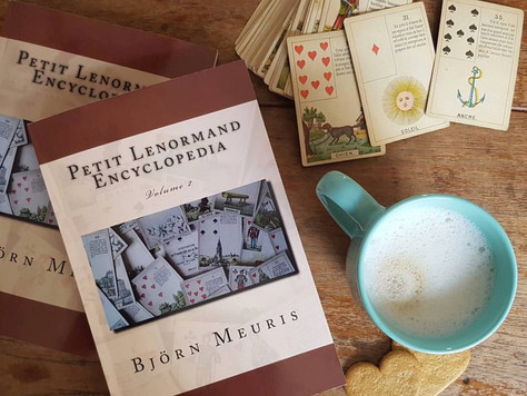 Petit Lenormand Encyclopedia - Video Review