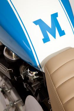 maria_motorcycles_triumph_thruxton_mightyblue_7359