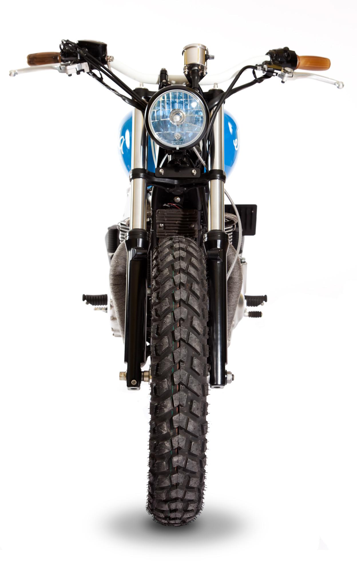 maria_motorcycles_triumph_thruxton_mightyblue_7292
