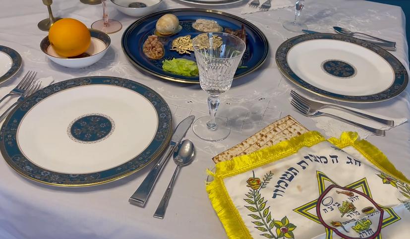 seder table.png