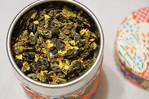 Oolong blend with osmanthus flowers