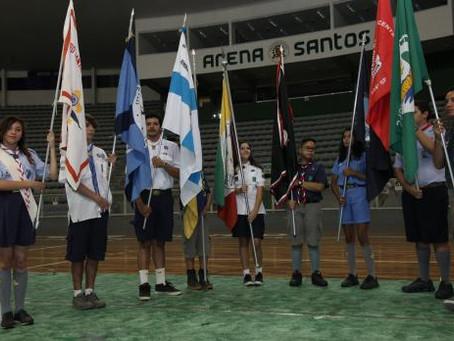 Escoteiros comemoram seu dia na Arena Santos
