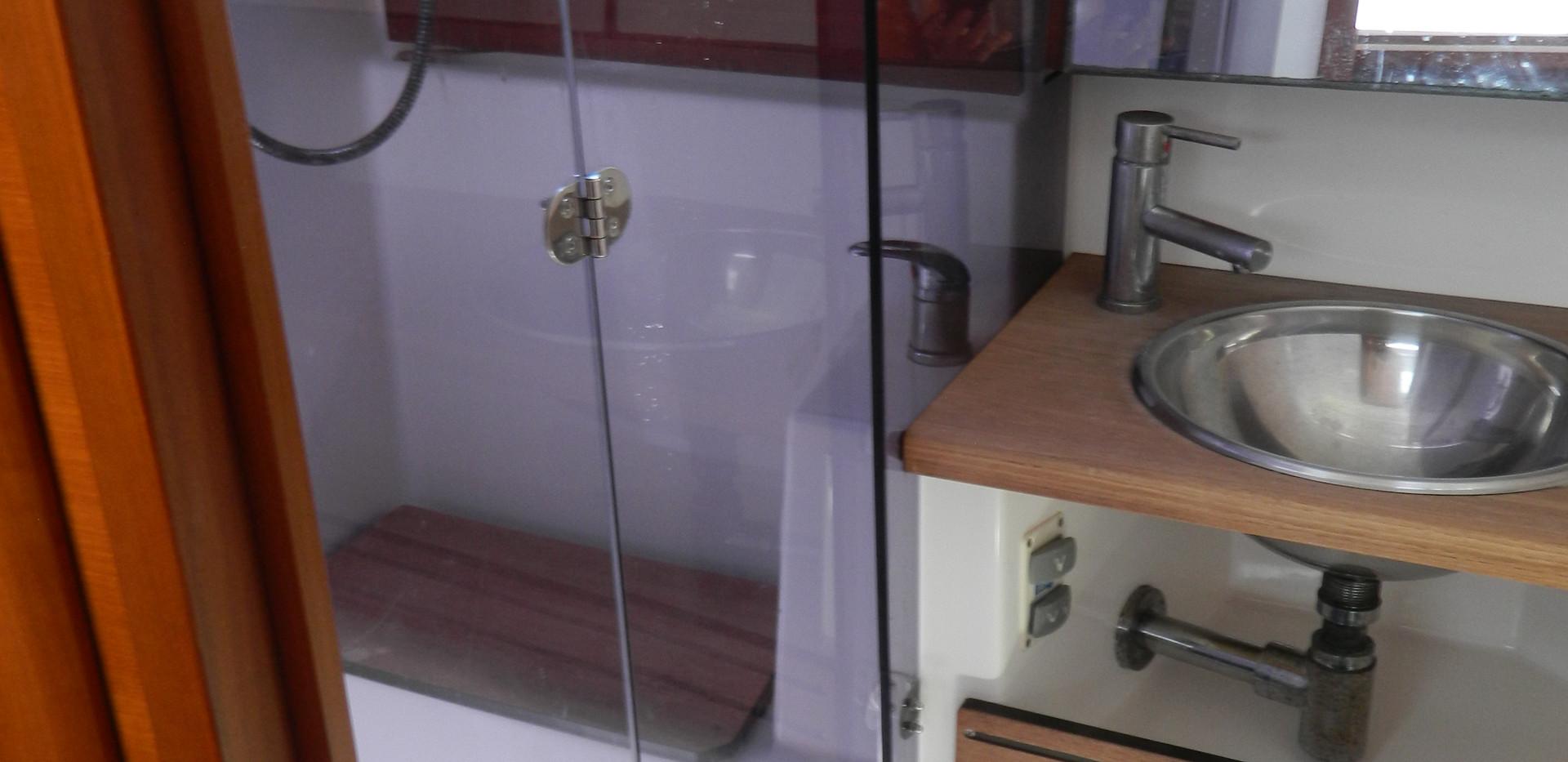 Baño popa -box