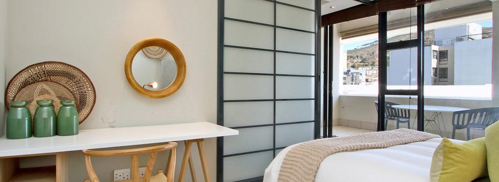 bedroom_1bedroom_Decks_907_ITC_3.jpg