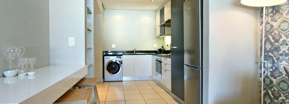 Kitchen_1bedroom_Decks_907_ITC_4.jpg