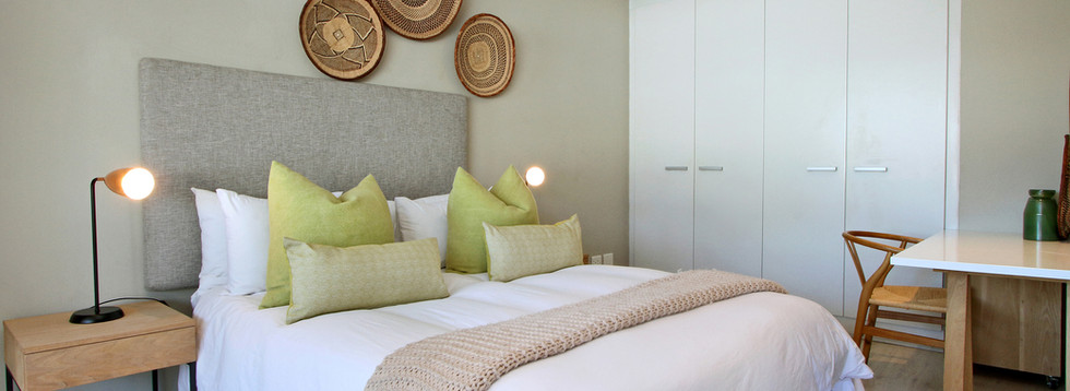 bedroom_1bedroom_Decks_907_ITC_1.jpg