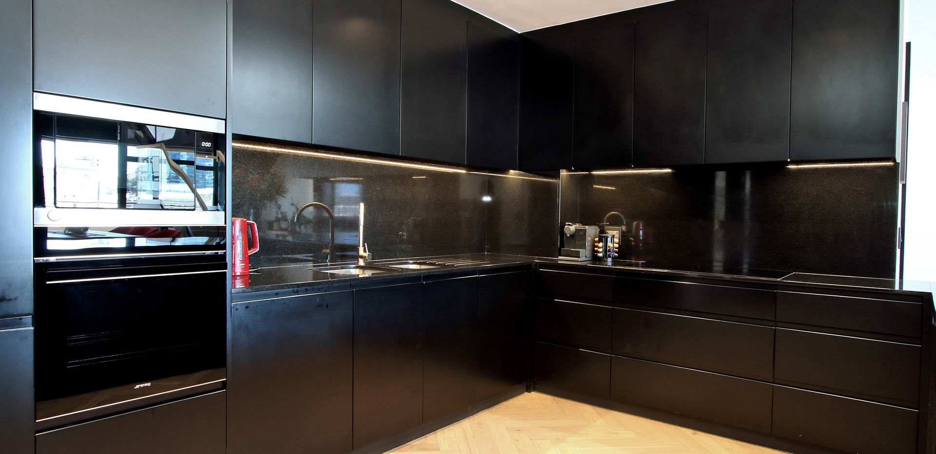 Kitchen_Pentouse_Onyx_1106_ITC_2.jpg