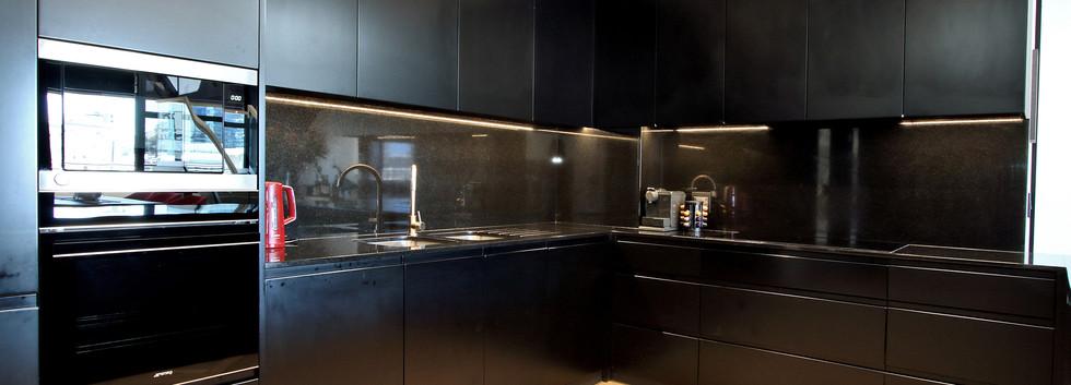 Kitchen_Pentouse_Onyx_1106_ITC_2.jpg