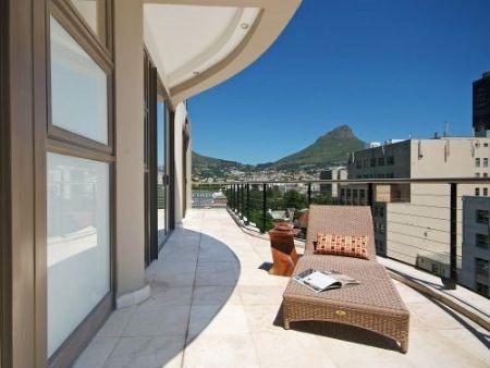 Balcony_2bedroom_Piazza_1201_ITC_1.jpg