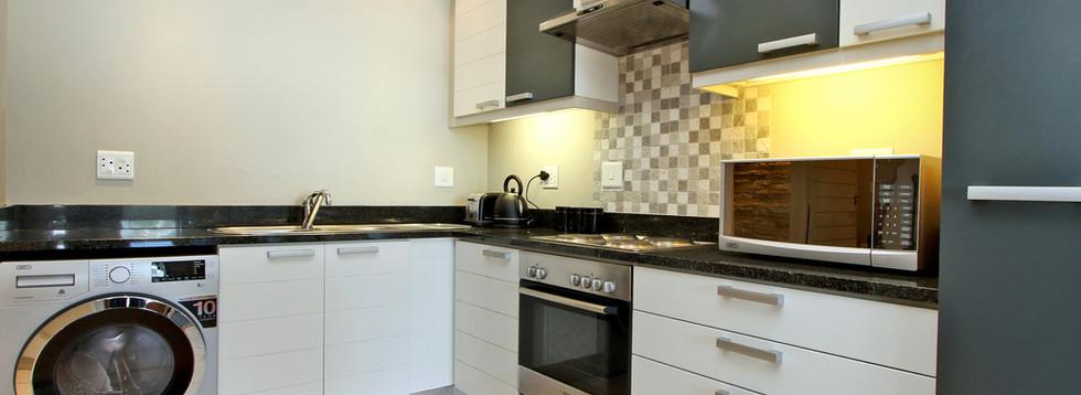 Kitchen_1bedroom_Decks_907_ITC_5.jpg