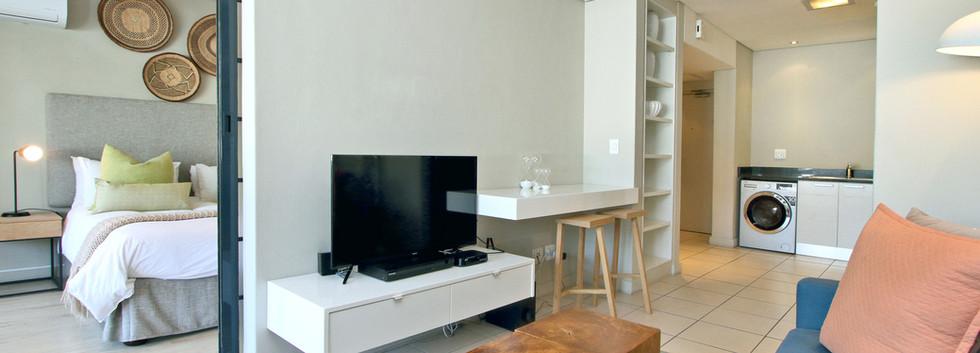 lounge_1bedroom_Decks_907_ITC_1.jpg