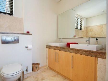 Bathroom_2bedroom_Piazza_1201_ITC_1.jpg