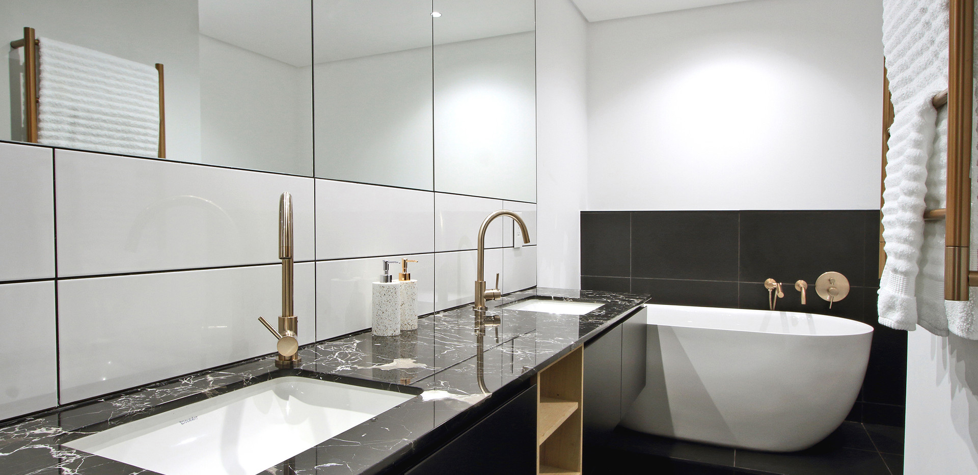 bathroom_Pentouse_Onyx_1106_ITC_1.jpg