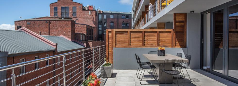 Balcony_1bedroom_Docklands_325_ITC_4.jpg