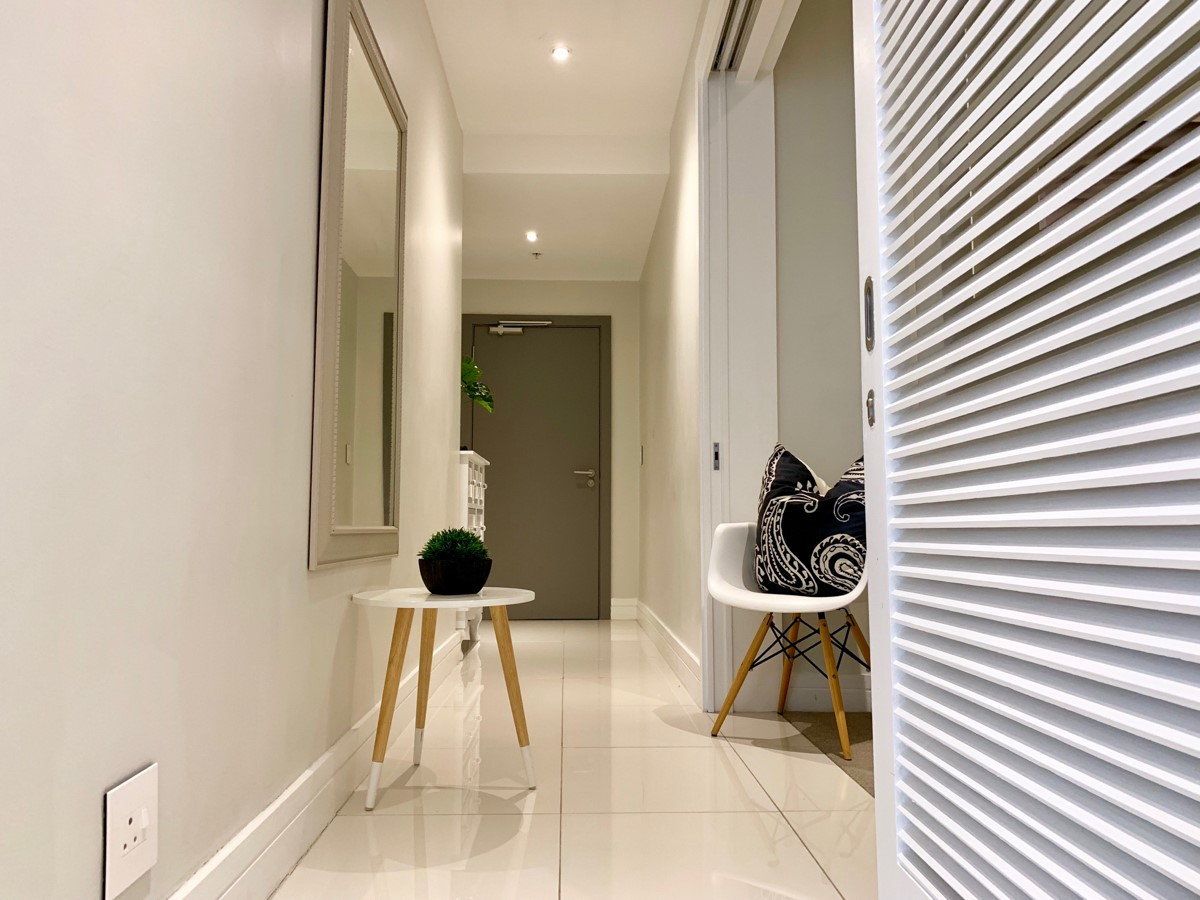 Entrance_2bedroom_Trianglehouse_1412_ITC