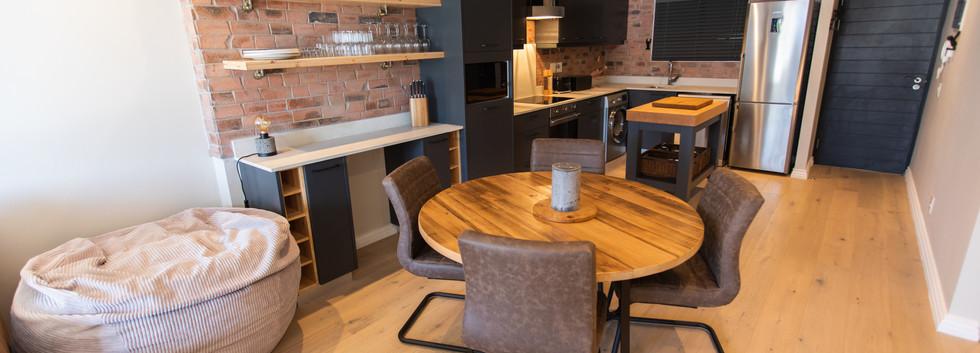 Diningroom_2bedroom_Docklands_303_ITC_2.