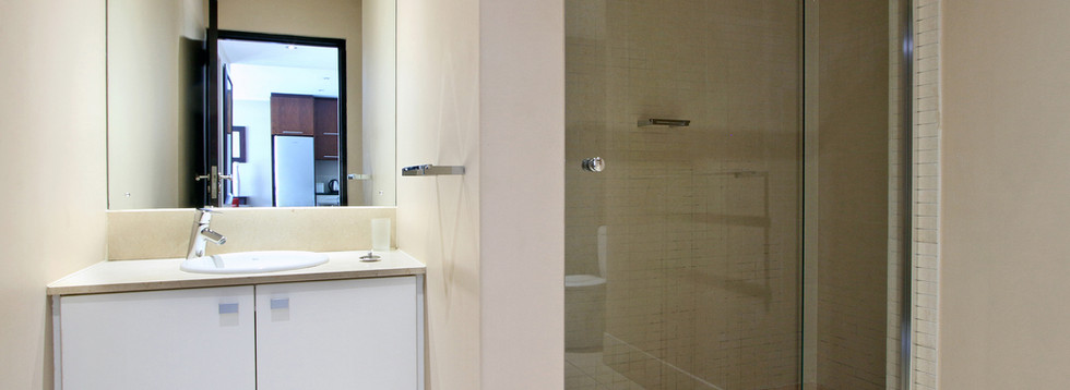 bathroom_1bedroom_Icon_804_ITC_1.jpg