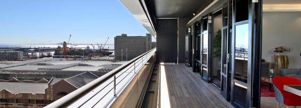 balcony_Pentouse_Onyx_1106_ITC_1.jpg