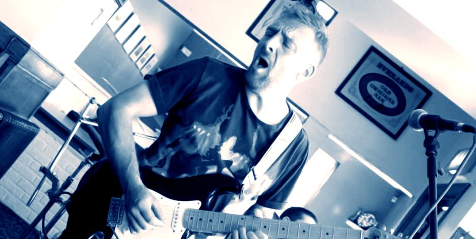 gig-001-guitar-1