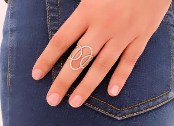 טבעת יהלומים אריאל
