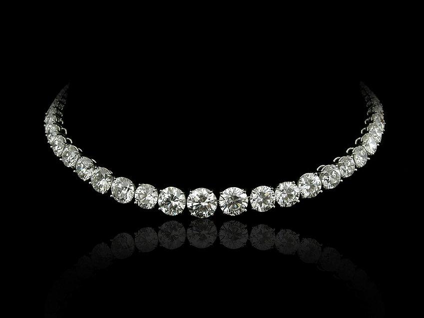 Round diamonds necklace.jpg