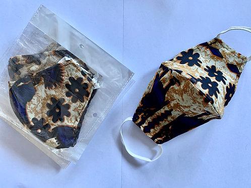 9. - Masque en tissu africain ( Wax )