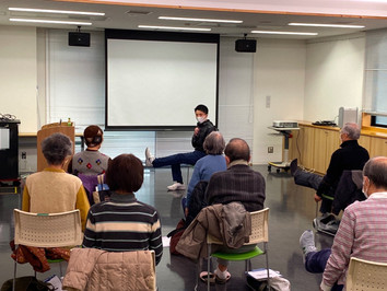 スポーツ健康政策学部の尾山裕介先生が青葉区の「すすき野カレッジ」で講演されました