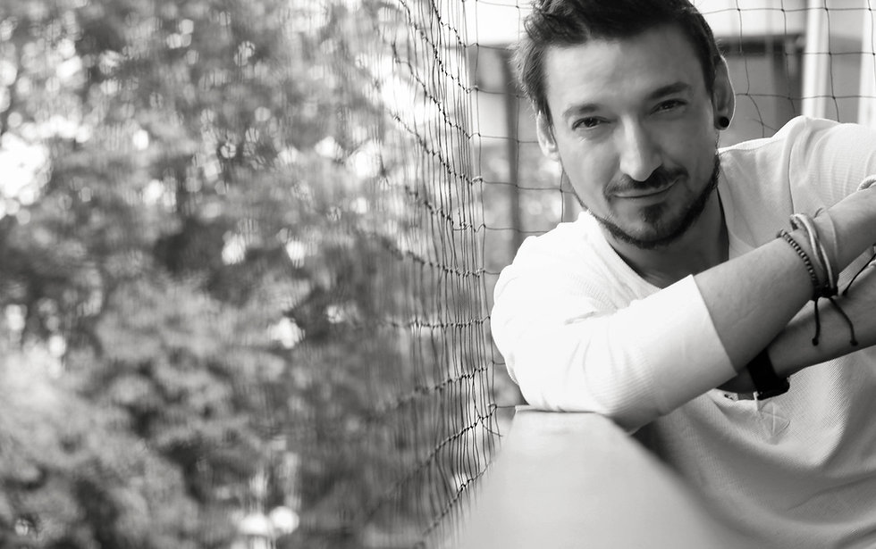 SManolisPhotographer,Sakis Manolis portrait and fashion photographer
