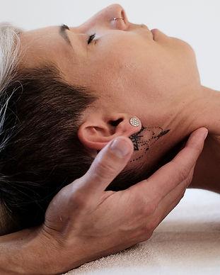 Nackenbehandlung Nackenmassage Schultermassage