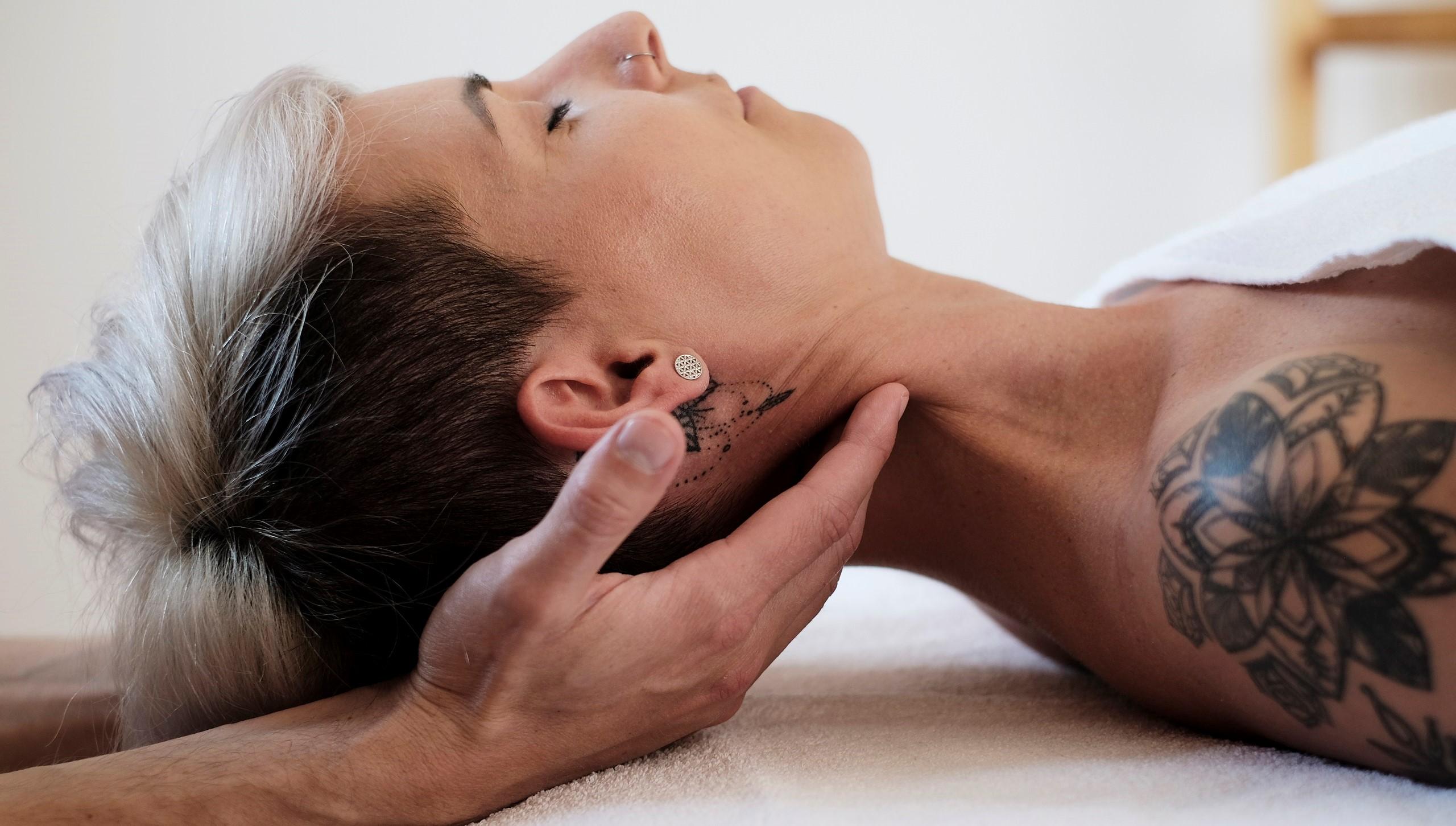 myofasciale Nackenbehandlung