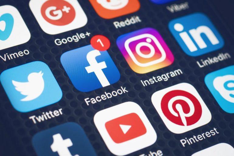 Social Media Promoting Package