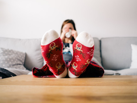 10 Gifts to NEVER Buy a Woman for Christmas