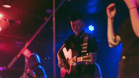 Glasgow band Sara N Junbug King Tuts gig live acoustic guitar