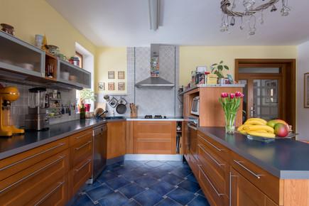 Edit 4 Kitchen Overview.jpg
