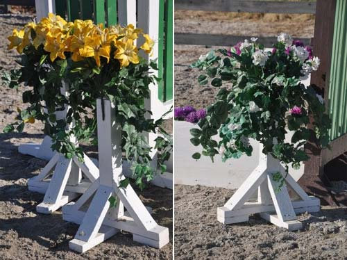 2' Flower stands w. silk bouquets set of 2