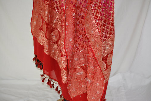 Red pink bandni banarasi with sona Rupa zari dupatta