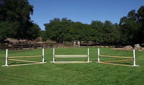 Schooling (3 jumps) - White wood schools, wood unpainted rails