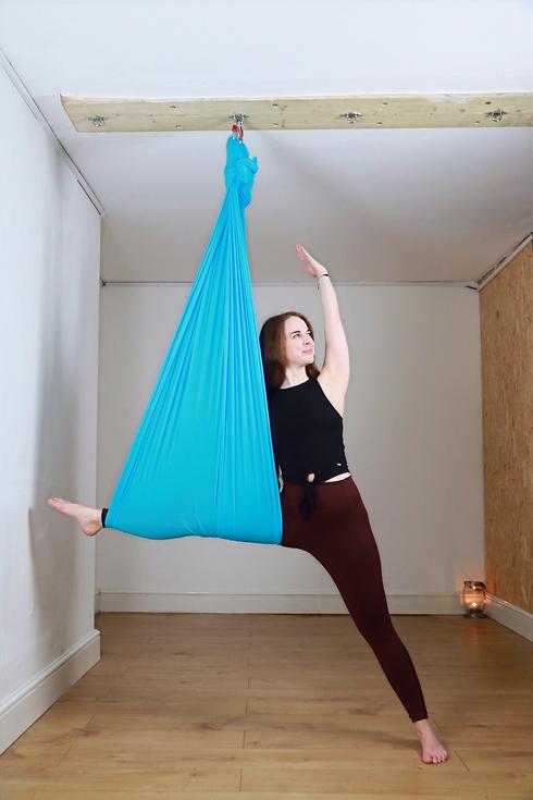 aerial yoga sky yoga aerial hammocks beginner silks