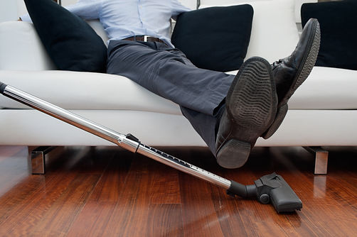 Let one of CUSTOM MAIDS' Toronto maids handle  the housekeeping while you relax