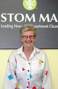 PIC OF CLEANING LADY TORONTO - Custom Maid Service Toronto