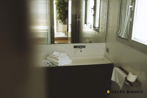 particolare del bagno.jpg