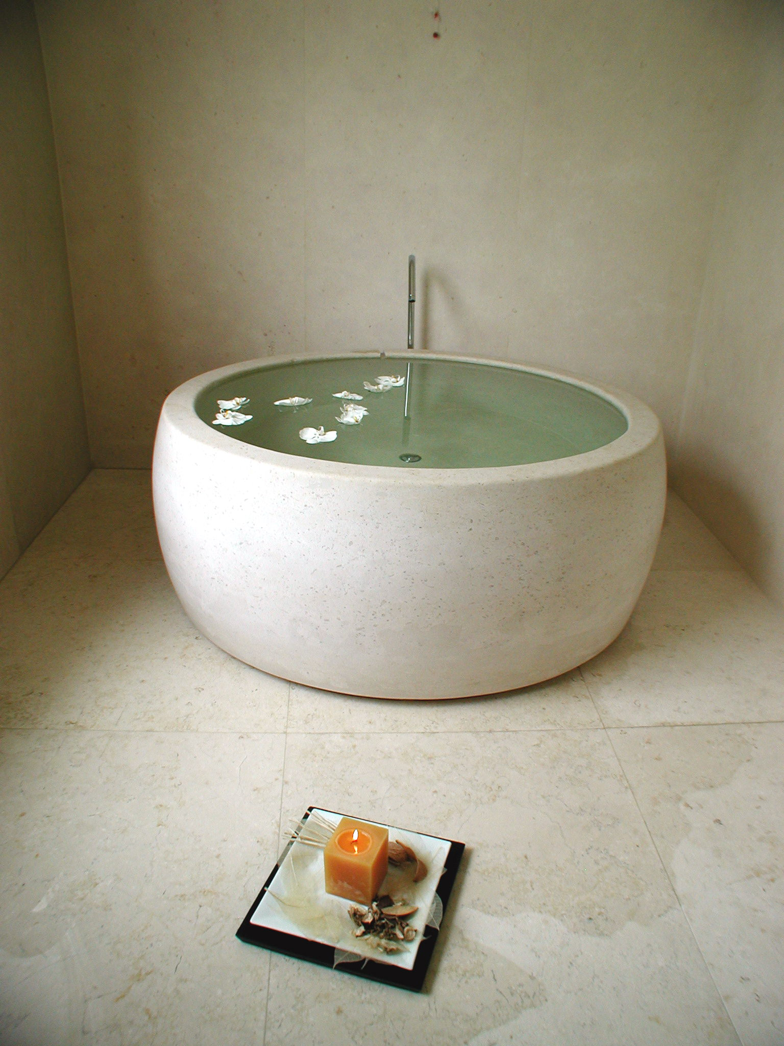 suite stone one piece bath tub